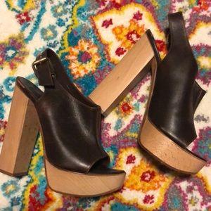 NWOT Chloe platform heels